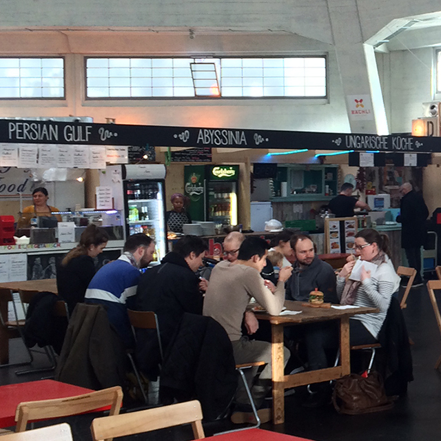 Die Markthalle: Ein Food-Court mitten in Basel