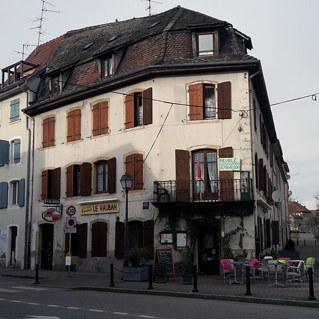 Feine Flammkuchen gibt's bei «Le Vauban» am Place Abbatucci