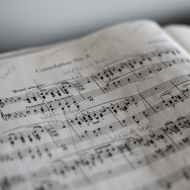 Mein Lieblingstrack zum Lernen: </br></br> Eine Playlist mit ausschliesslich klassischer Musik. Alles mit Text lenkt mich zu sehr ab.