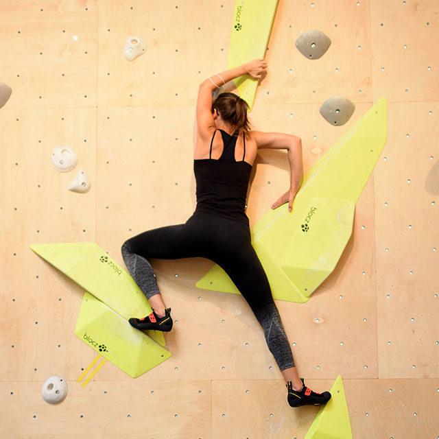 Ein einziger grosser Spielplatz für Kletterfreunde: Besuch im ELYS Boulderloft
