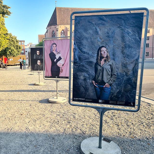 Ausstellungsfotos auf der Kaserne